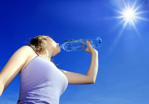 drinking water in the sun  keep hydrated when pregnant